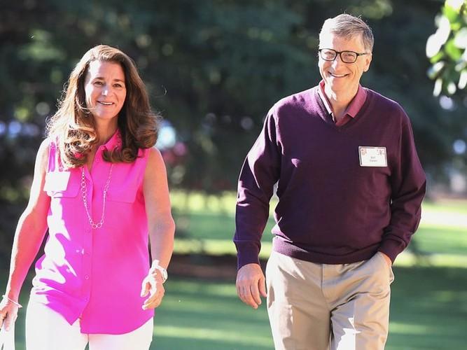Thoi quen cua Bill Gates: An burger va rua bat moi toi