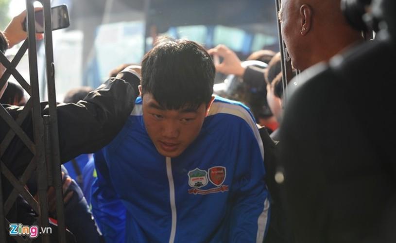 """Cong Phuong bi hang tram fan """"bua vay"""" xin chup anh-Hinh-2"""