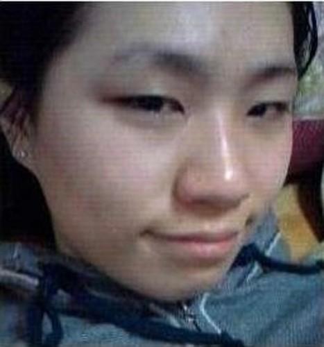 Qua trinh lot xac co gai Han khien dan mang xon xao-Hinh-2