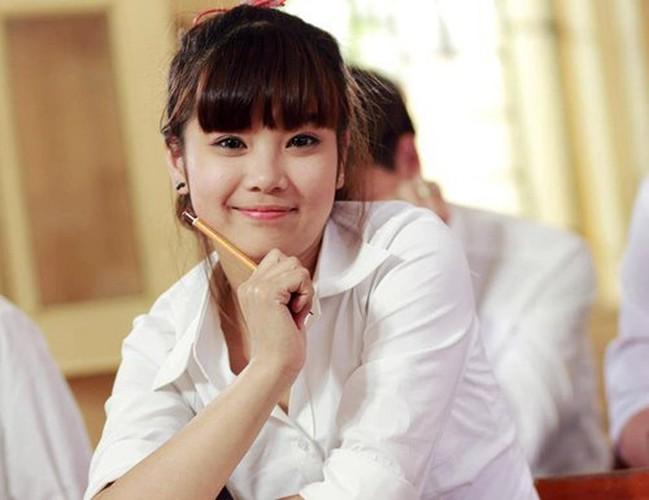 Bat ngo voi chieu cao that cua cac hot girl dinh dam-Hinh-3