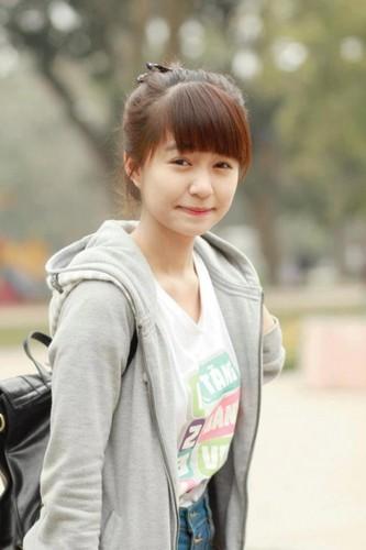 Bat ngo voi chieu cao that cua cac hot girl dinh dam-Hinh-5