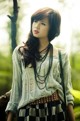 Bat ngo voi chieu cao that cua cac hot girl dinh dam-Hinh-9