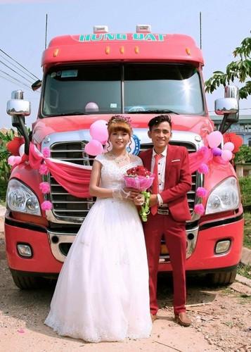 Dang sau man ruoc dau bang xe container gay sot o Bac Giang-Hinh-9