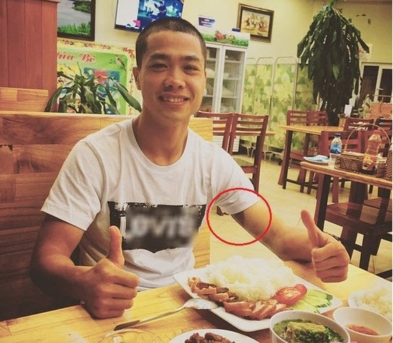 Cong Phuong, Hoa Minzy co xoa hinh xam ve nhau tren co the?-Hinh-3