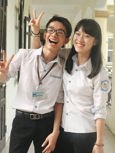 Hot girl xu Nghe lam MC thoi su quoc te o tuoi 18-Hinh-4