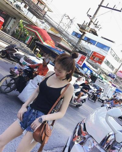 """Nhan sac """"thoi mien"""" cua gai xinh bi... day xuong vung bun-Hinh-6"""