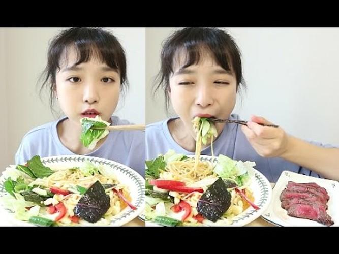 "Suc hut cua ""hot girl an ao"" gay sot mang Han Quoc-Hinh-4"