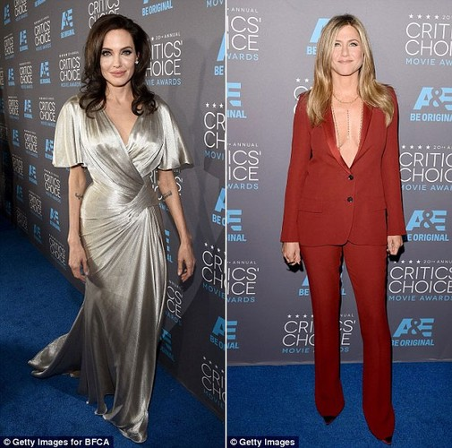Angelina Jolie toa sang hon tinh dich Jennifer Aniston tren tham do