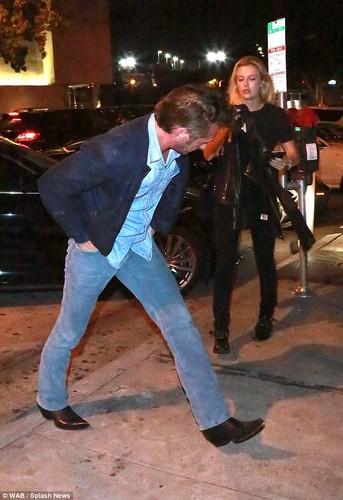 Lo mat tinh tre bang tuoi con gai cua Sean Penn-Hinh-7