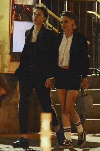 Kristen Stewart khoa moi ban gai dong tinh moi-Hinh-7