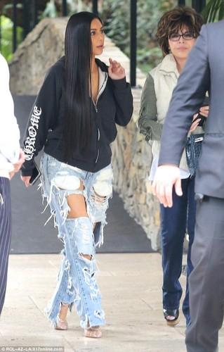 Kim Kardashian pho phac xuat hien sau vu cuop o Paris-Hinh-3