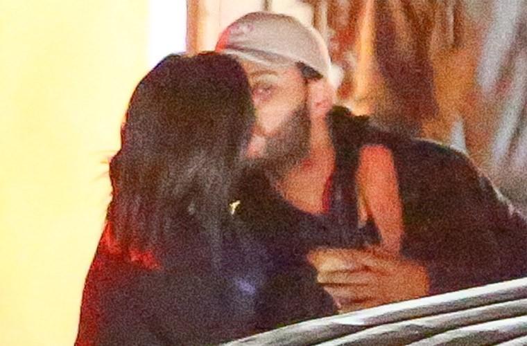 Selena Gomez hon tinh moi dam duoi khi di hen ho-Hinh-2