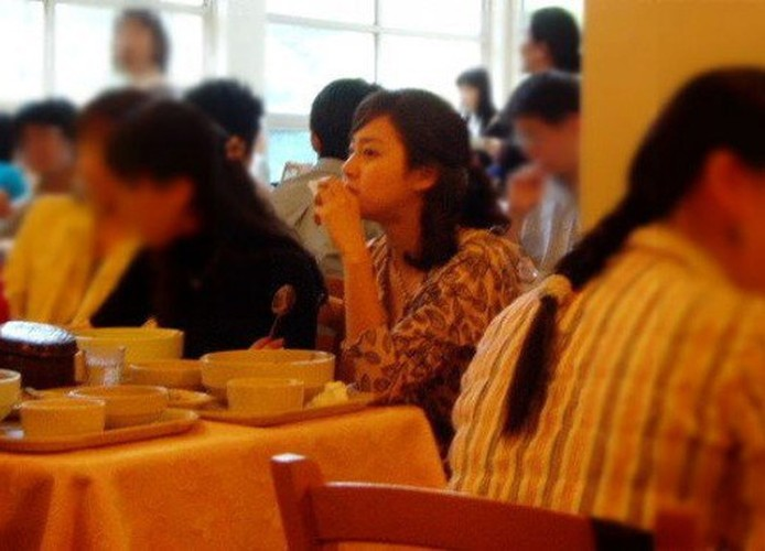 Ngam Kim Tae Hee xinh dep thuo hoc sinh-Hinh-4