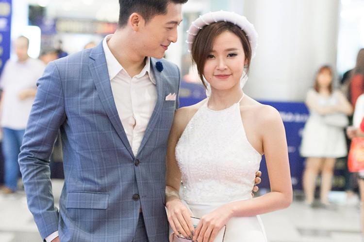Nhung bong hong vay quanh dien vien goc Dai Loan - Harry Lu-Hinh-2