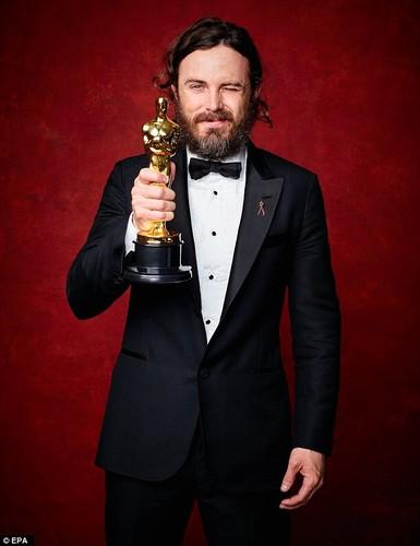 Casey Affleck, nam dien vien tham lang toa sang tai Oscar 2017-Hinh-7