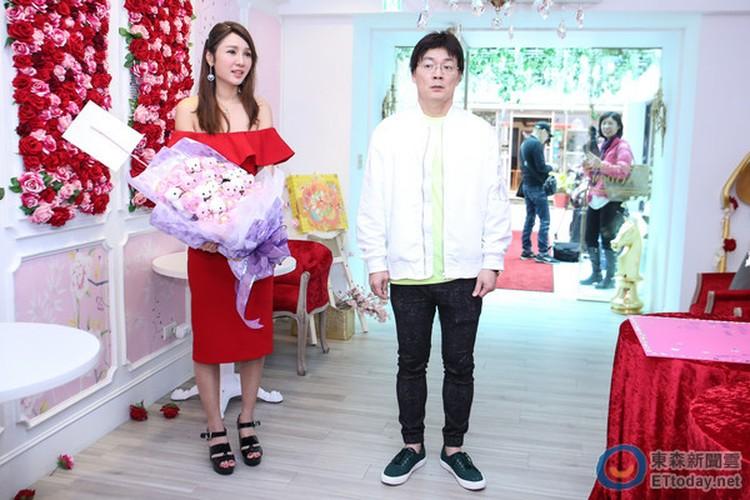 Helen Thanh Dao cong khai tinh moi sau 45 ngay ly hon-Hinh-4