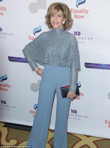 U80 Jane Fonda van mac dep hon nhieu sao Hollywood kem tuoi