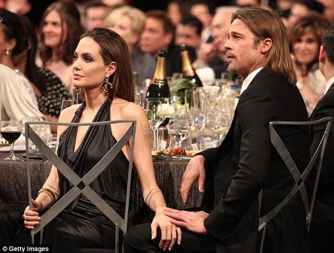 Brad Pitt pho phac, buon ba lam mau tren tap chi-Hinh-9