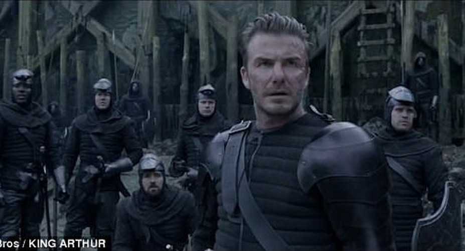 David Beckham bi nem da vi vai dien dau tien trong King Arthur-Hinh-4