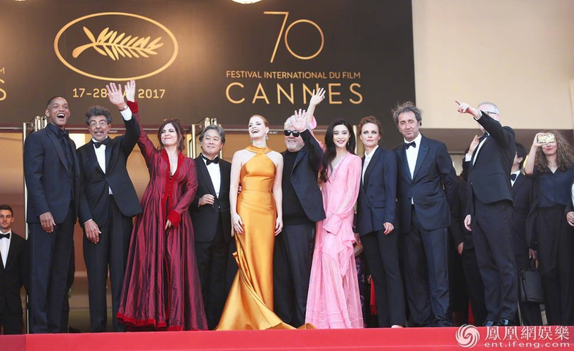 Pham Bang Bang bi Thu Ky lan at tren tham do Cannes 2017