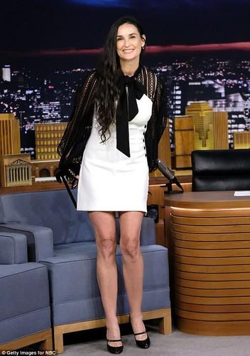 Demi Moore stress den muc rung rang, bac toc-Hinh-6