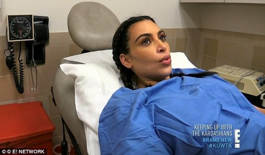 Kim Kardashian bo 2,5 ty thue nguoi de ho con thu 3-Hinh-4