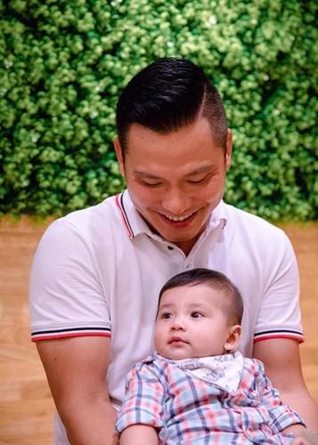 Jennifer Pham khoe con trai 6 thang tuoi cuc dang yeu-Hinh-3