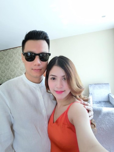 Vo chong dien vien Viet Anh lien tuc khoe anh tinh cam-Hinh-7