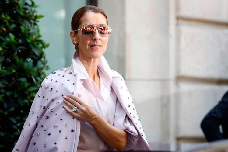 Celine Dion gia nua nhu ba lao 70 du o tuoi 49-Hinh-7