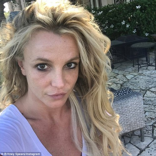 Britney Spears lo nhan sac phai tan khi de mat moc-Hinh-2