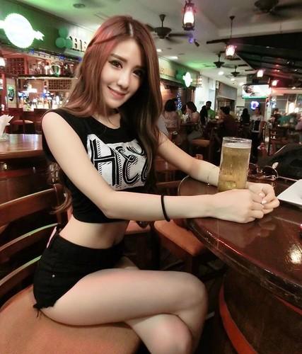 Nu tiep vien hang khong Malaysia xinh dep khong ty vet-Hinh-3