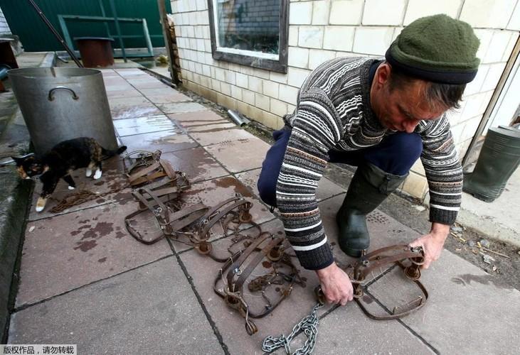 Ghe ron canh bat giet soi o khu vuc hoang da o Ukraina-Hinh-3