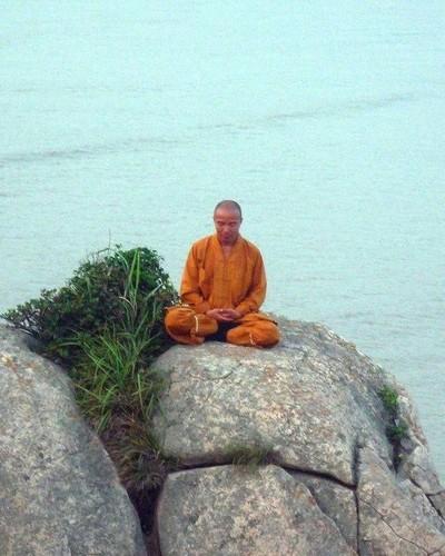 Kha nang ky dieu cua nha su Thieu Lam, ai xem cung choang-Hinh-4