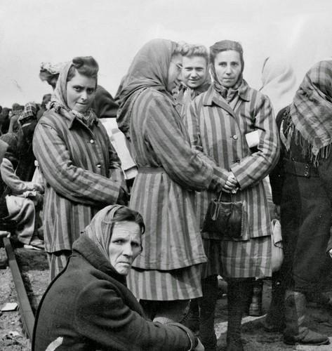 Ben trong trai tap trung giam phu nu cua Hitler-Hinh-4