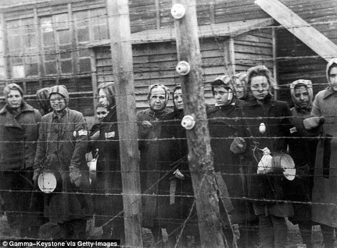 Ben trong trai tap trung giam phu nu cua Hitler-Hinh-6
