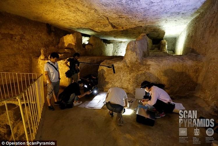 Bat ngo hai khoang bi an trong Dai kim tu thap Giza-Hinh-5