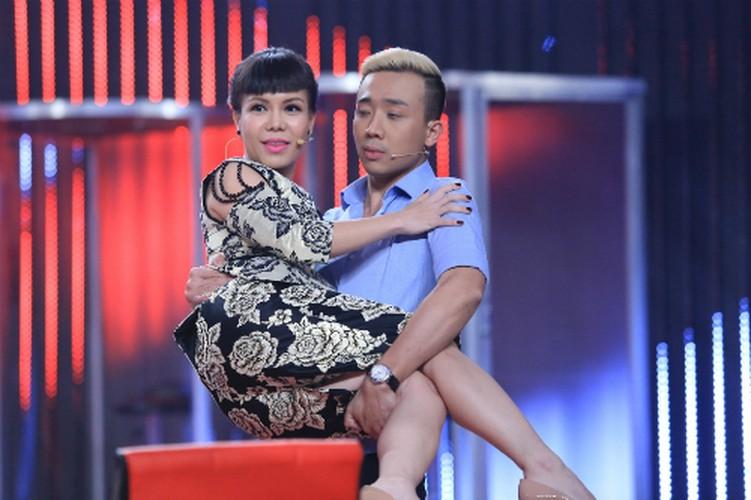 Bat ngo nguoi phu nu duoc Tran Thanh...om nhieu nhat-Hinh-5