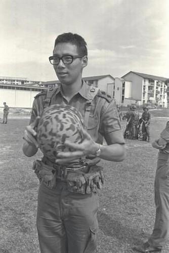 Nhung dau moc quan trong trong cuoc doi Thu tuong Ly Hien Long-Hinh-2