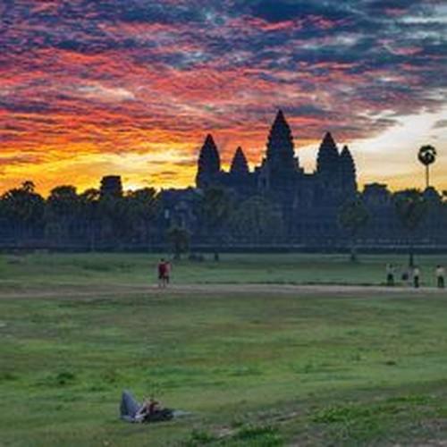 Vi sao thanh pho Angkor huy hoang bong dung sup do?-Hinh-10