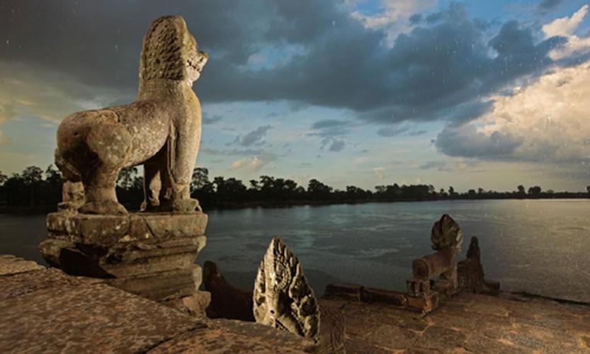 Vi sao thanh pho Angkor huy hoang bong dung sup do?-Hinh-2