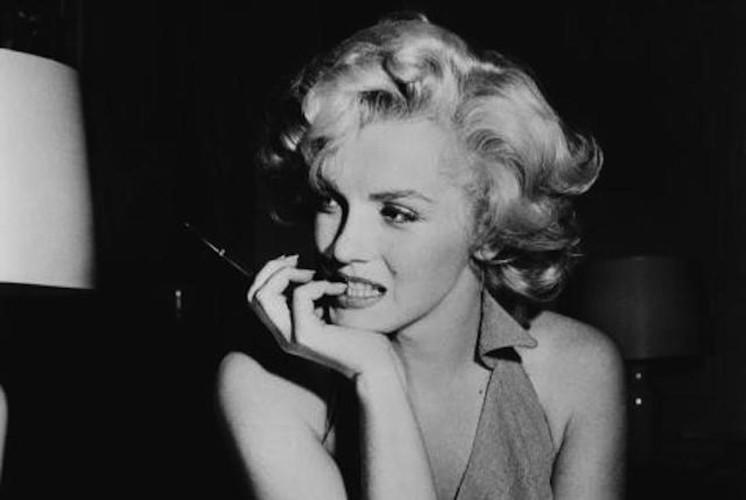 Marilyn Monroe bi giet vi su ton tai nguoi ngoai hanh tinh?-Hinh-2
