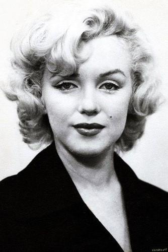 Marilyn Monroe bi giet vi su ton tai nguoi ngoai hanh tinh?-Hinh-7