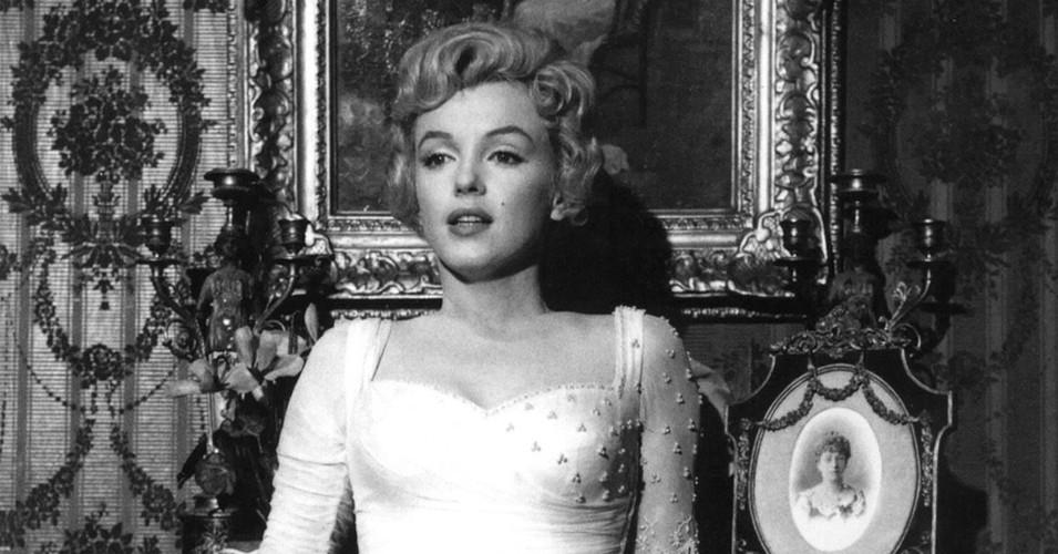 Marilyn Monroe bi giet vi su ton tai nguoi ngoai hanh tinh?
