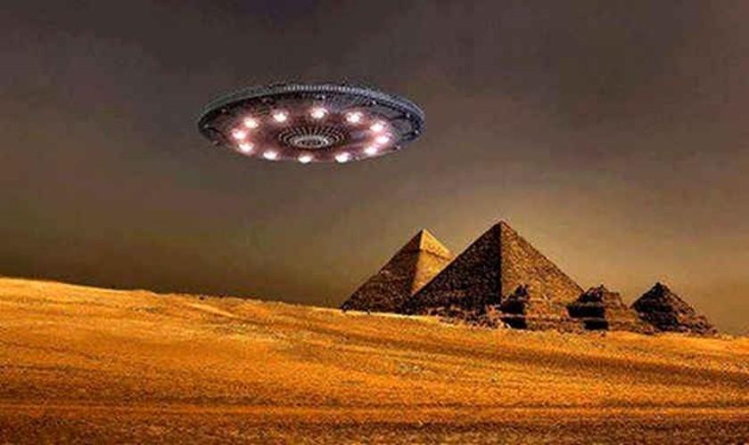 "Vu ""cham tran"" UFO kinh dong lich su loai nguoi-Hinh-2"