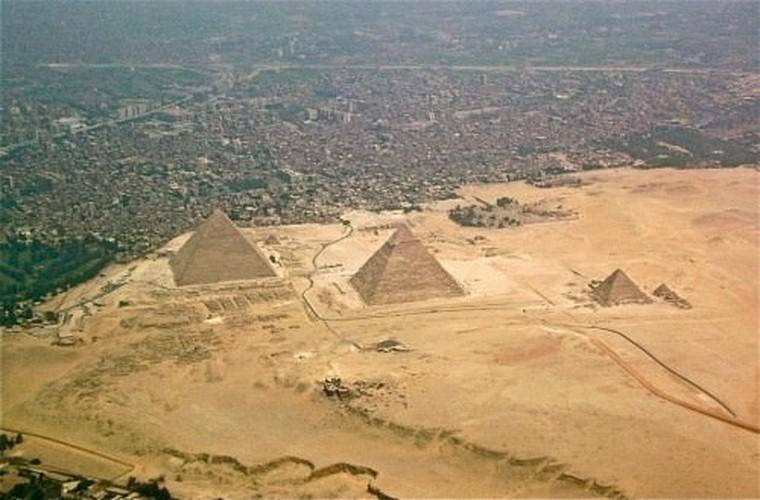 Loat bi an muon doi khong giai o dai kim tu thap Giza-Hinh-3