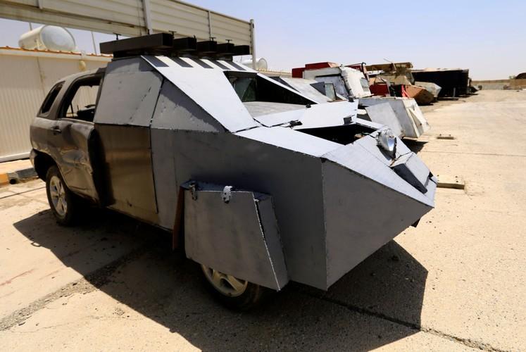 Can canh dan xe bom tu sat cua phien quan IS-Hinh-11