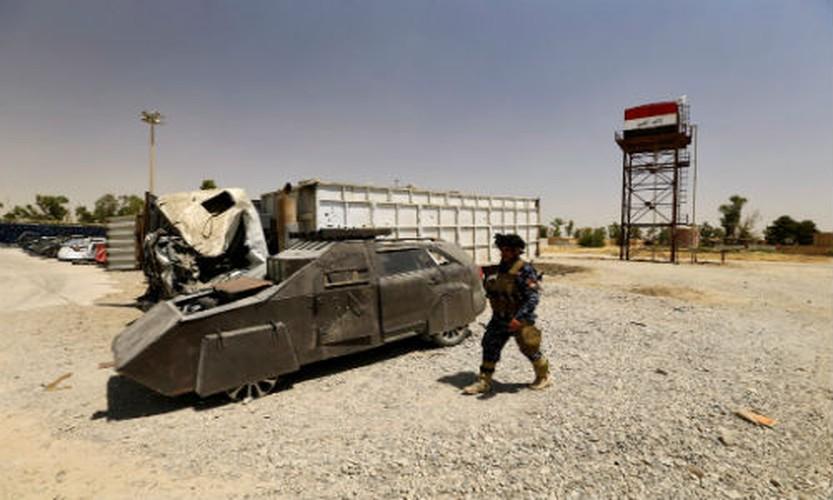 Can canh dan xe bom tu sat cua phien quan IS-Hinh-2