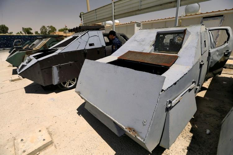 Can canh dan xe bom tu sat cua phien quan IS-Hinh-3