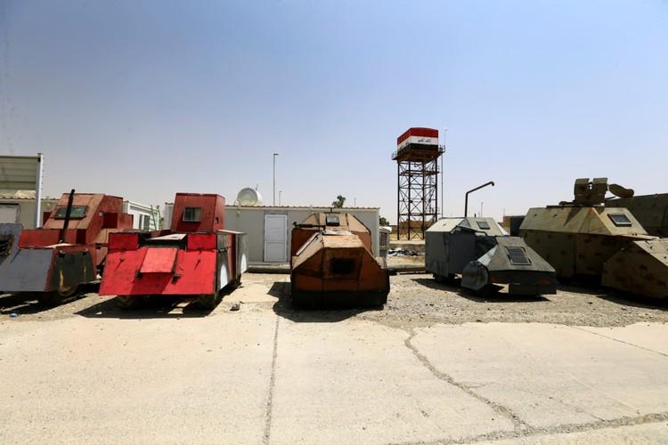 Can canh dan xe bom tu sat cua phien quan IS-Hinh-6