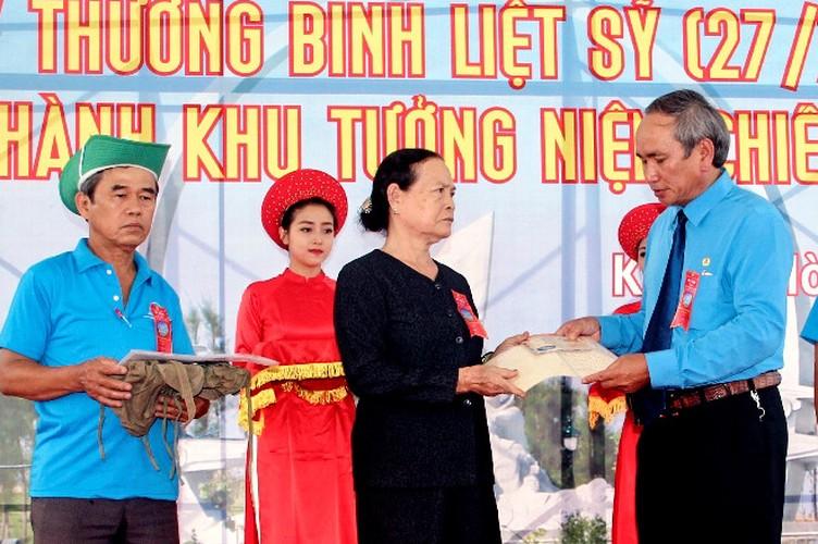 Anh: Khanh thanh tuong dai tuong nho 64 chien si Gac Ma-Hinh-4